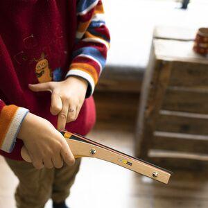 Muskete aus Holz für Kinder, Gummiringe schießen-Samariterstiftung | Ostalb-Werkstätten-werky